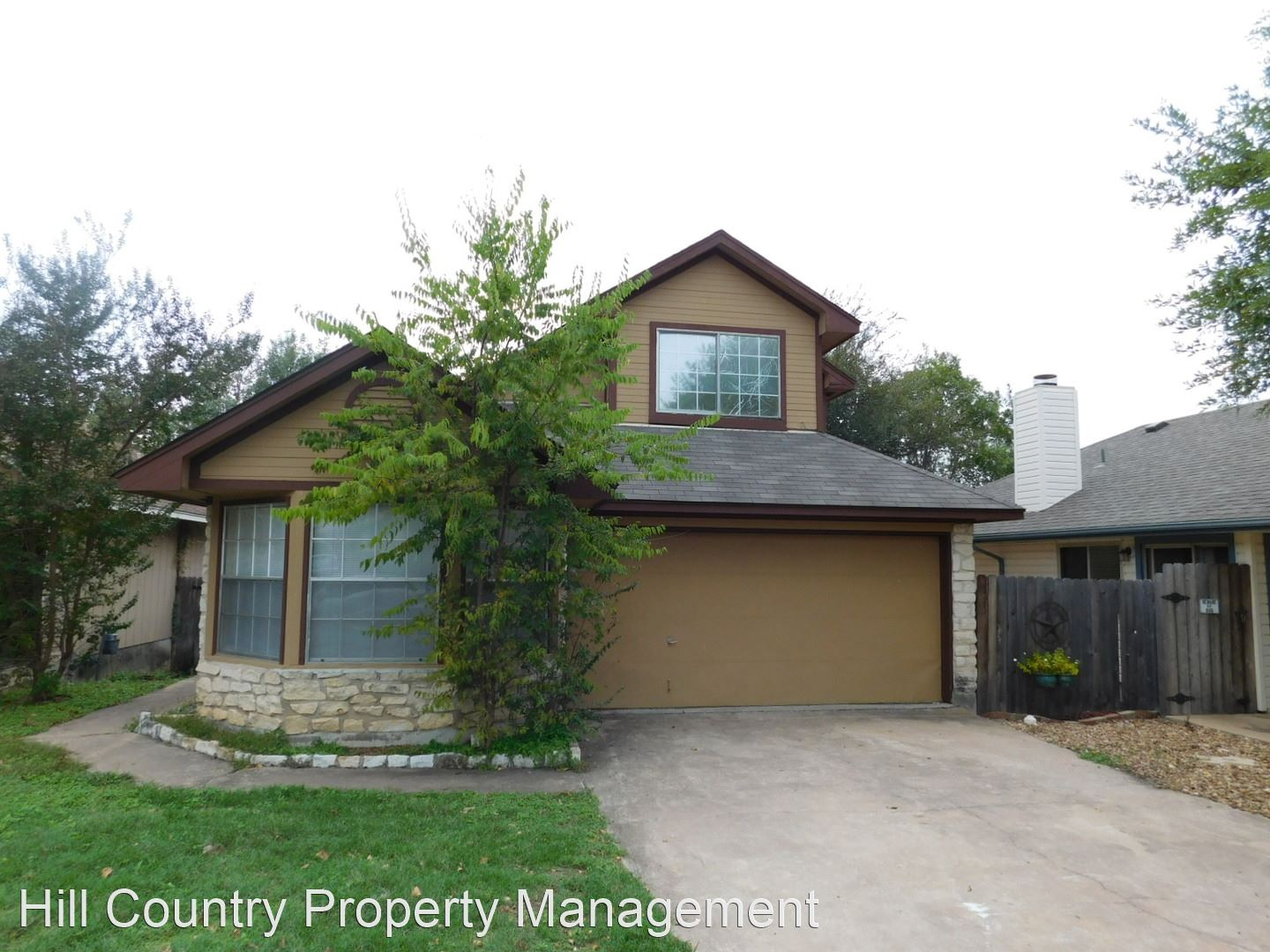 16802 Village Oak Loop